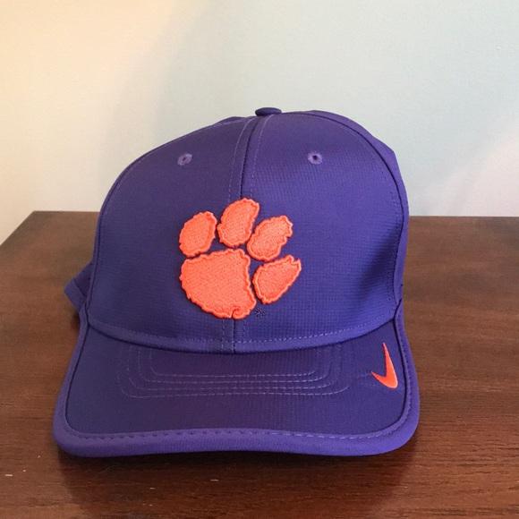 5586bcfc5d5 Men s Nike Clemson Tigers Coaches Sideline Hat. M 5ada552dd39ca2da928257ca